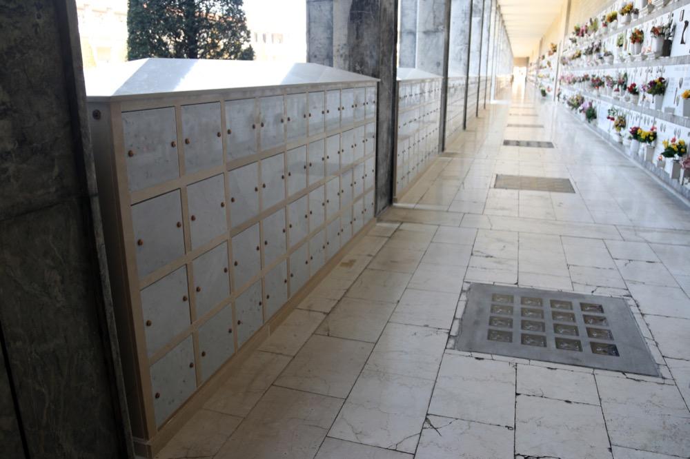 Ossari prefabbricati bologna for Arredi cimiteriali